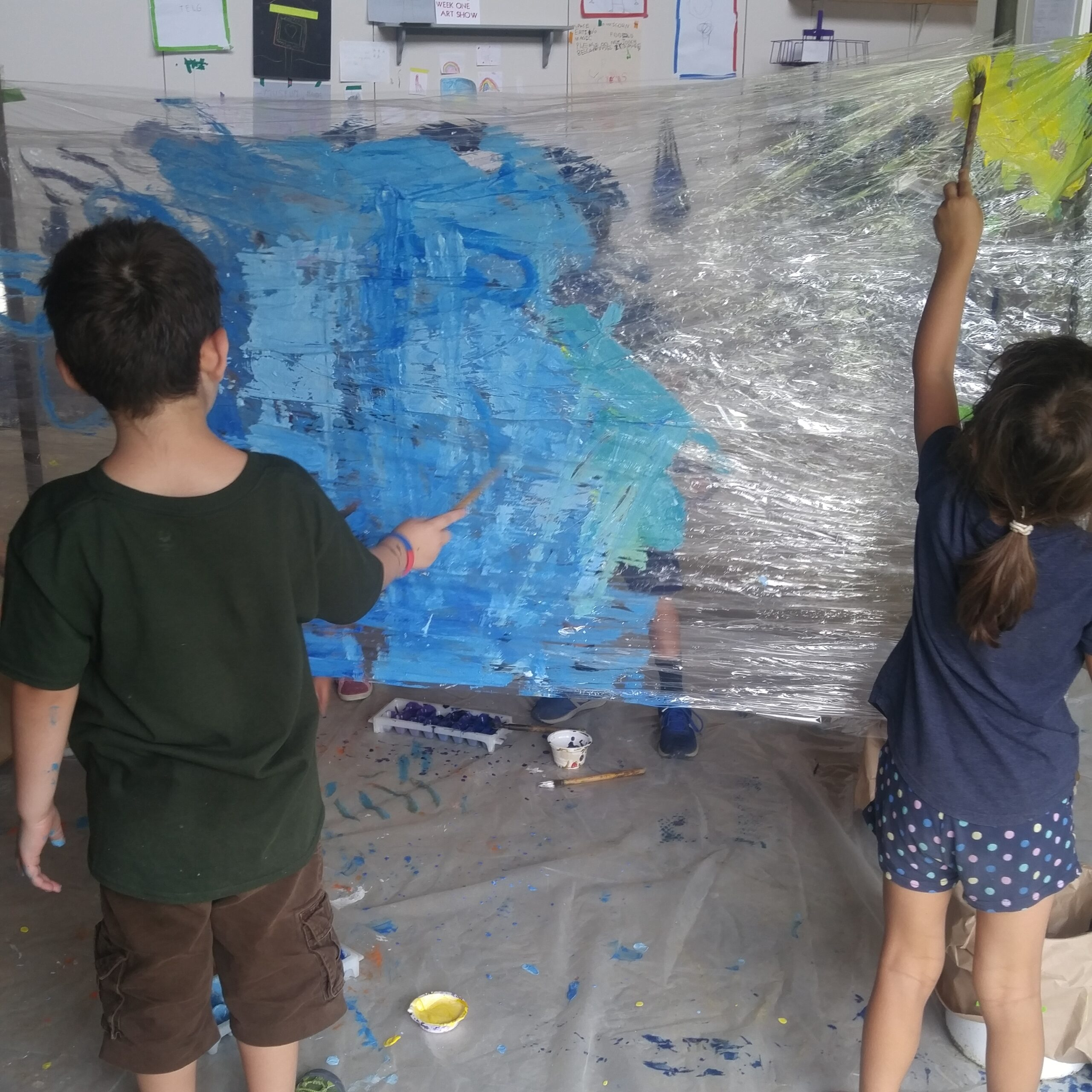 children work on a project