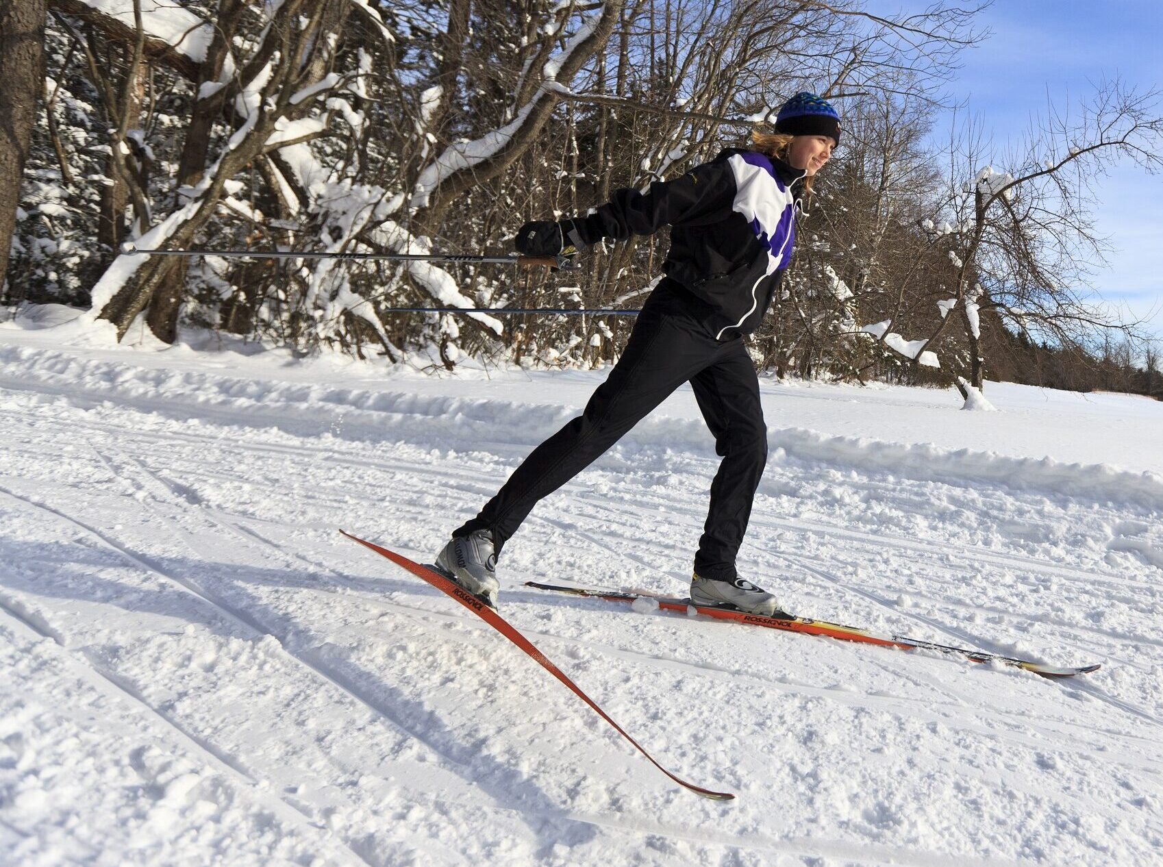 A woman cross-country skiing at the Notchview