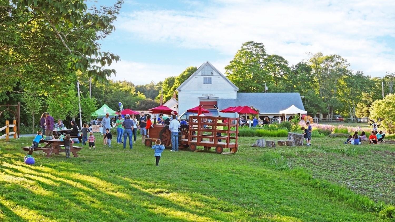 Event at Powisset Farm with families